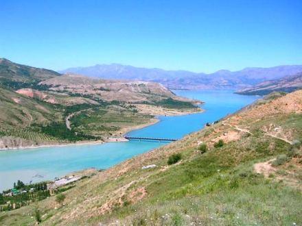 Chatkal river near Charvak lake (Uzbek: Chorvoq), Public Domain Image Courtesy of Anton Rakitskiy